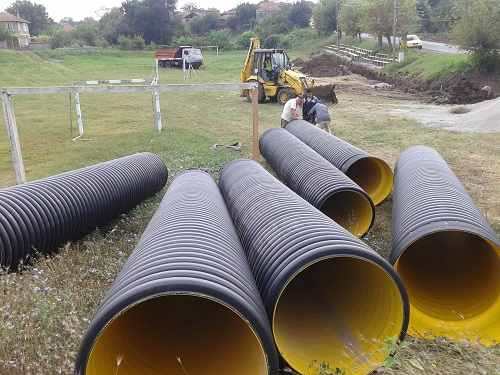 Доставки на тръби и части за изграждане на канализация и дренажи